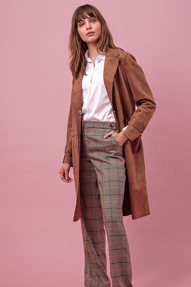COAT CANJA SUEDE NOUGAT, SHIRT BARI POP WHITE, PANTS DRISS TORRE 01